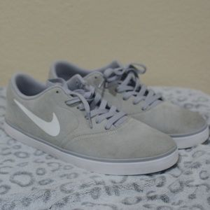 Mens Nike SB Skateboarding Gray Shoes Sneakers 11